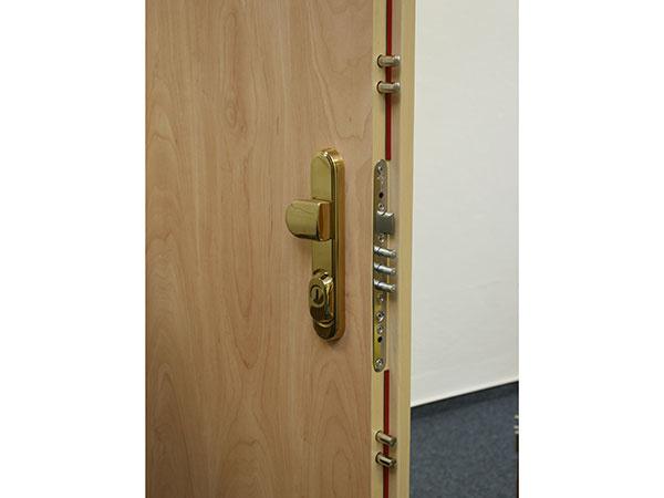 Bezpečnostné dvere SHERLOCK® majú 30 rokov: z produktu je dnes služba