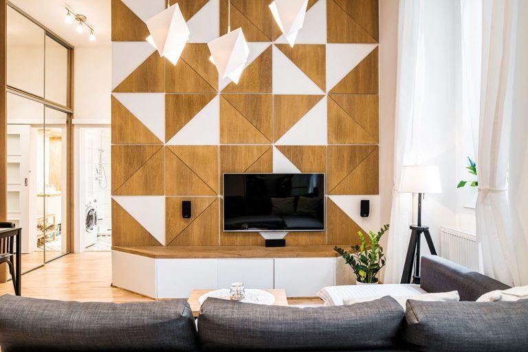 (VIDEO) Malý byt v centre Bratislavy s handmade prvkami a premyslenými riešeniami