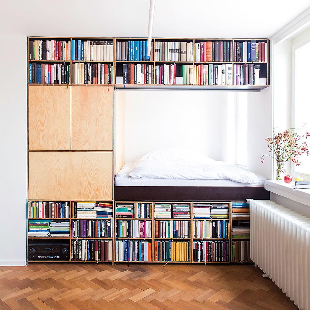 Štýl 2 NA MIERU  Vytvorte si vlastný návrh knižnice presne podľa svojej potreby. Čo tak obložiť knihami priestor na spanie? Veď kde inde sa trávi sknihou vruke čas najlepšie, ak nie vteplých perinách? Nehovoriac otom, že sú vždy poruke.
