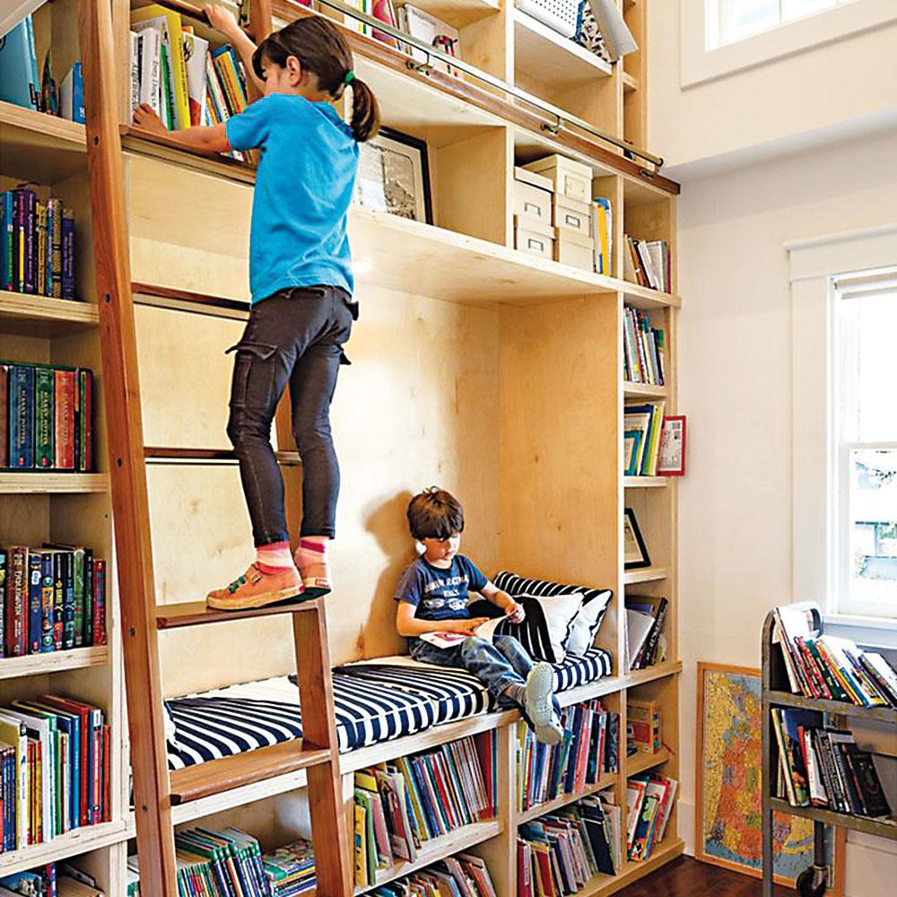 Štýl 7 PRE DETI  Detská izba je miesto, kam okrem hračiek rozhodne patria aj pekné detské knižky. Ak to priestor izby dovoľuje, prečo im nevenovať jednu celú stenu? Policový systém srebríkom aútulným miestečkom na čítanie ocení každý malý čitateľ.