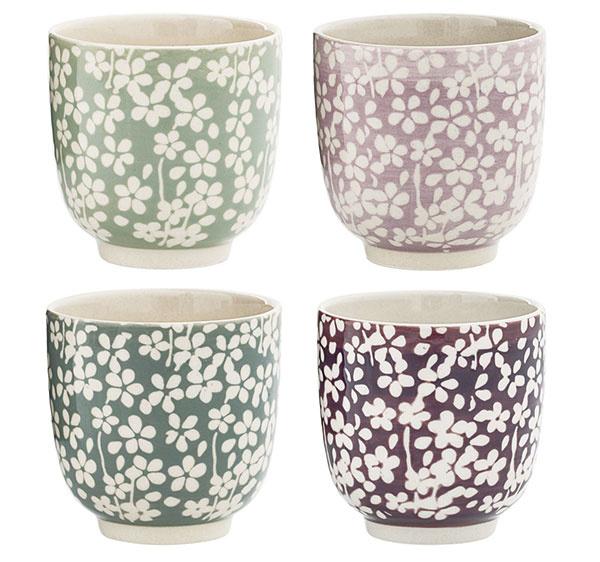 Hrnčeky Seeke od značky Bloomingville, keramika, výška 7 cm, priemer 7,3 cm, 7,17 €/ks, www.bellarose.sk