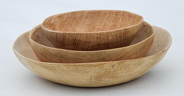 Misa, ručne vyrobená/dlabaná, dubové drevo, 3 veľkosti, od 38 €, www.sashe.sk/50arches