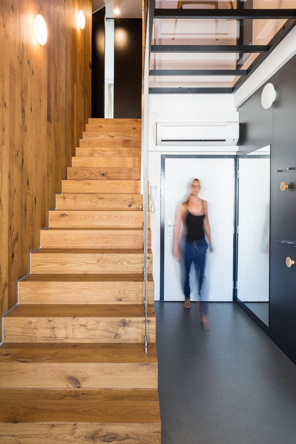 Súťaž Interiér roku: Bratislavský mezonet, kde dominuje drevené schodisko a drevený obklad