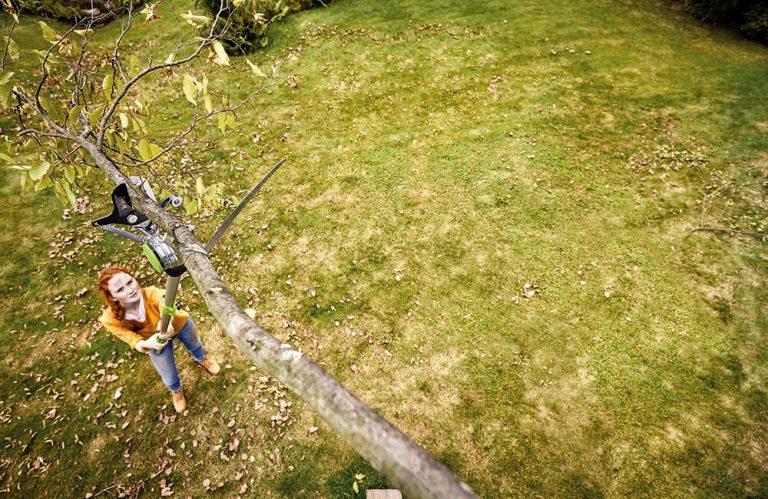 Pomocníci pri práci na záhrade. Čím sa vybaviť na ďalšiu sezónu?