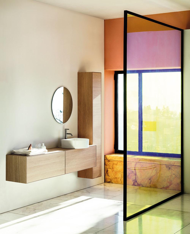 DIZAJNOVÚ KOLEKCIU Sonar pre značku Laufen navrhla Patricia Urquiola. Zahŕňa škrupiny avane vyrobené ztenkého, odolného aľahkého materiálu Saphir Keramik, ktorého dizajnový potenciál ešte nedosiahol svoje hranice.