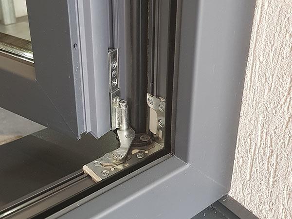 Súčasná architektúra si vyžaduje úplne nový prístup k výrobe okien a dverí