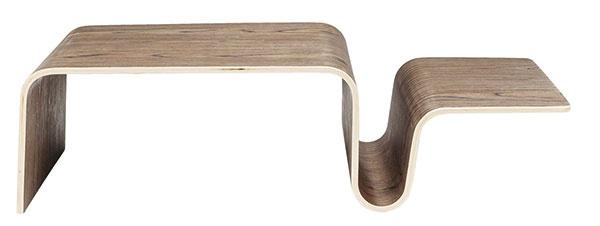 Spriestorom na časopisy Swing od značky Kare Design, 74 × 30×19,5cm, lakovaná drevotrieska, 64 €, www.bonami.sk