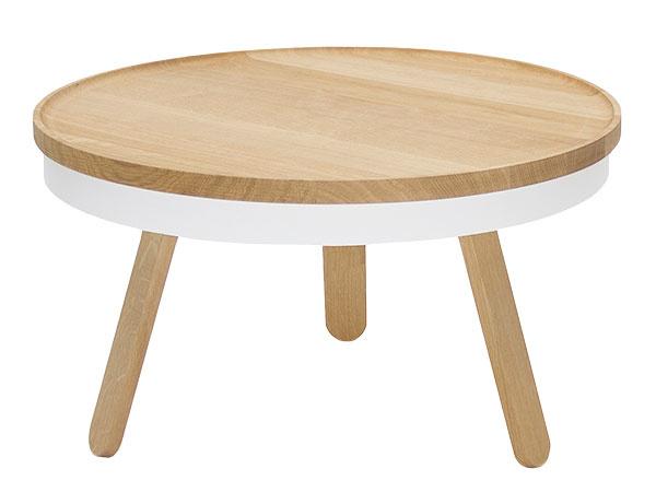 Sodkladacou plochou pod doskou Batea M od značky Woodendot, výška 35 cm, priemer 60 cm, masívny dub, lakovaná oceľ, 305 €, www.bonami.sk