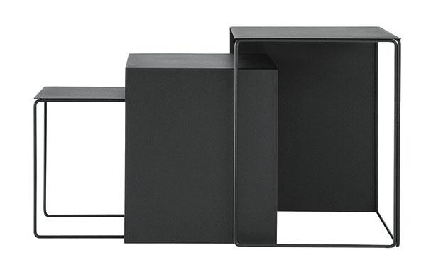 Variabilná trojkombinácia Cluster od značky ferm LIVING, 41 × 35 × 34/48 × 40 × 37/55 × 45 × 40 cm, kov, viac farieb, 469 €, www.fermliving.com