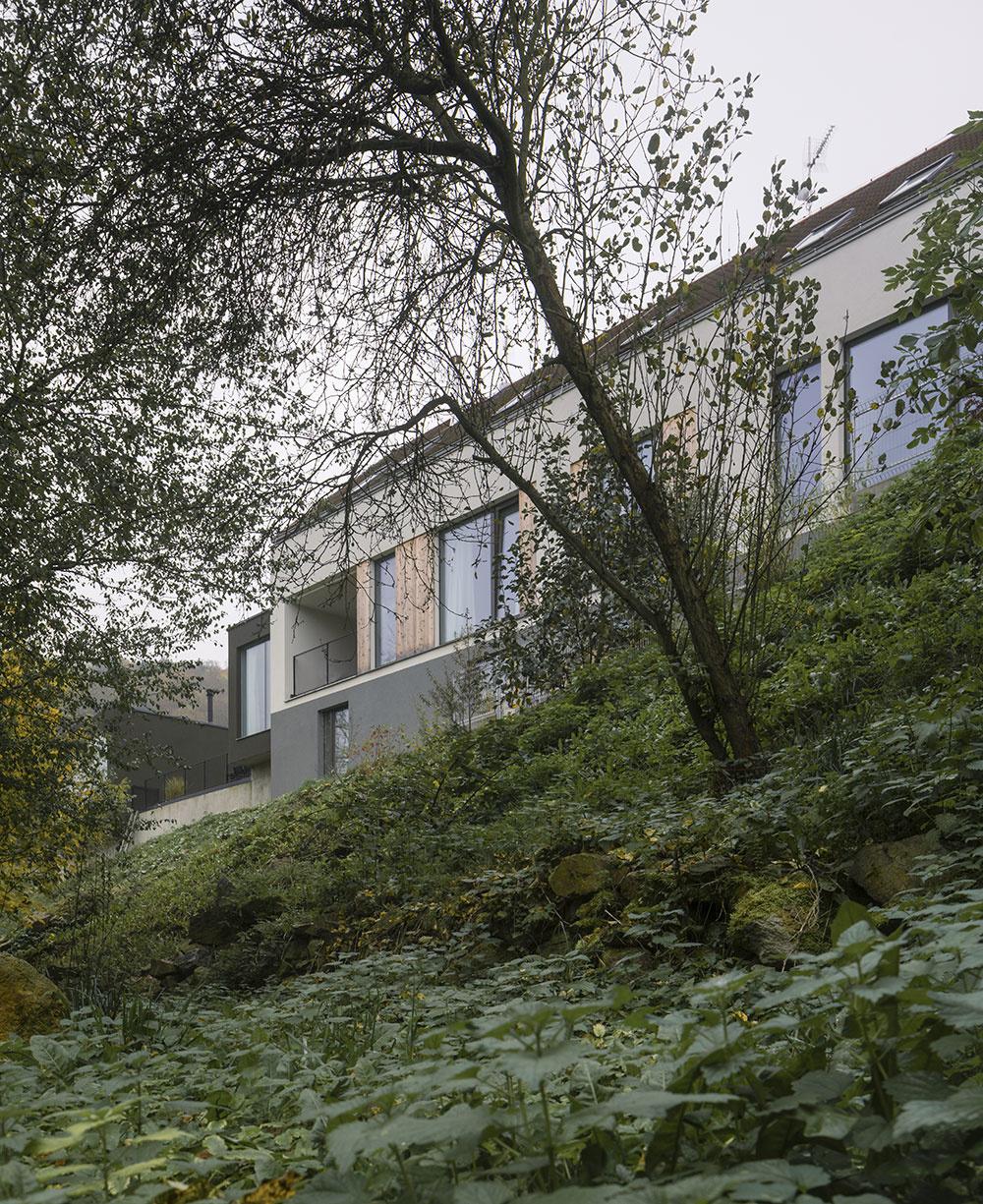 Starý hospodársky dvor premenili na unikátne bývanie
