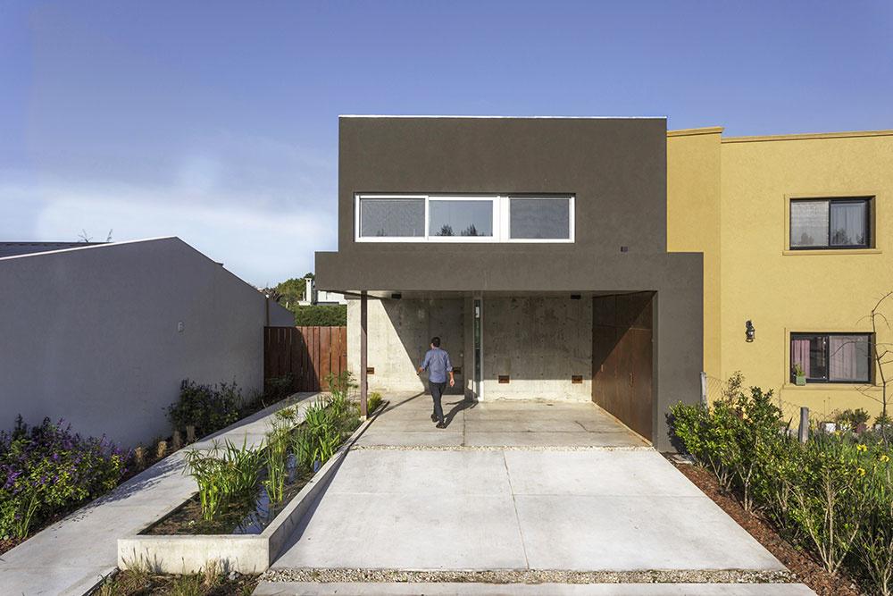 Rekonštrukcia domu v modernom industriálnom štýle urobila zo slabých stránok silné