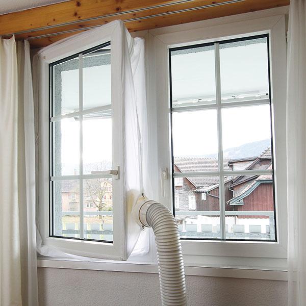 Pri používaní mobilnej klimatizácie zabezpečí, aby teplo ahmyz zostali vonku. Je vyhotovená zo špeciálneho vodoodolného materiálu avďaka upínacej páske sa dá rýchlo ajednoducho namontovať na všetky bežné okná astrešné okná. Cena 19,95 € www.hornbach.sk