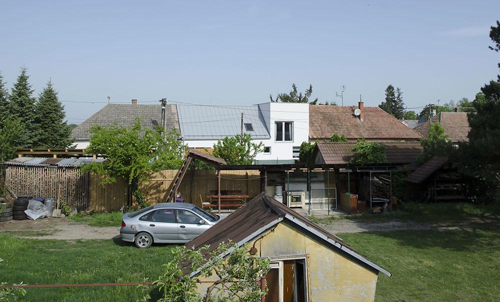 Rodinný dom s podjazdom: Z ulice nenápadný, v súkromí fascinujúci!