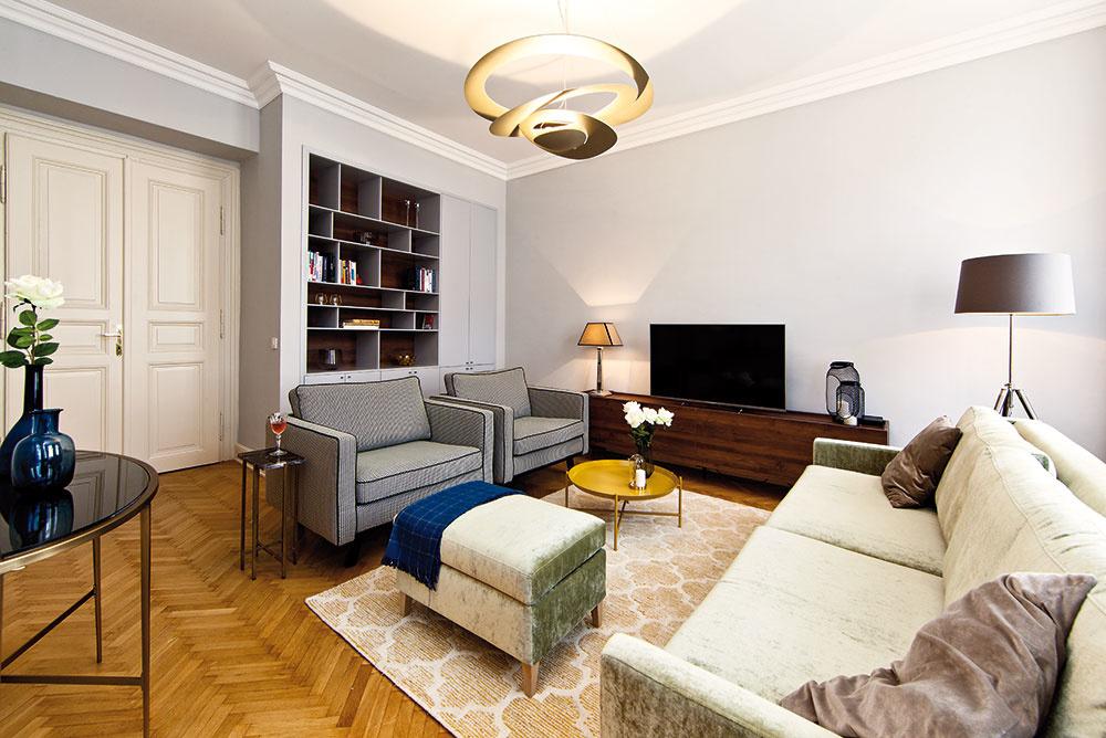 Zrekonštruovaný byt s vysokými stropmi dýcha noblesou a eleganciou