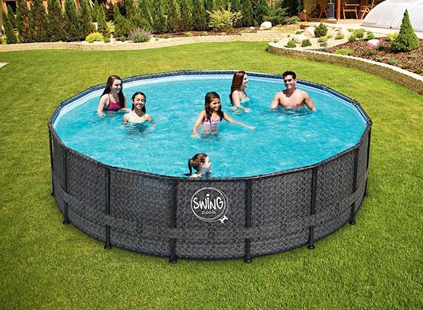 Rámový bazén Swing Frame Ratan s elegantným dizajnom ratanu.