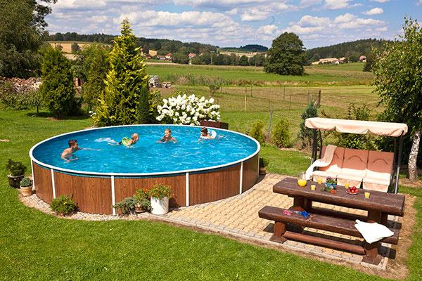 Bazény Azuro Vario z hlbokoťažného oceľového plechu sú vhodné do každej záhrady.