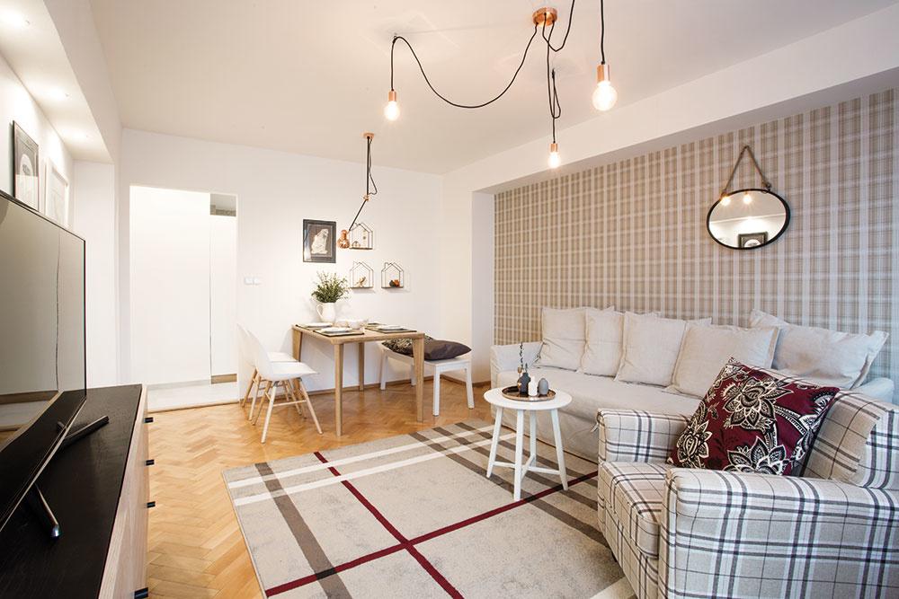 Malý pražský byt, ktorý si odvážne vpustil dnu kárované motívy