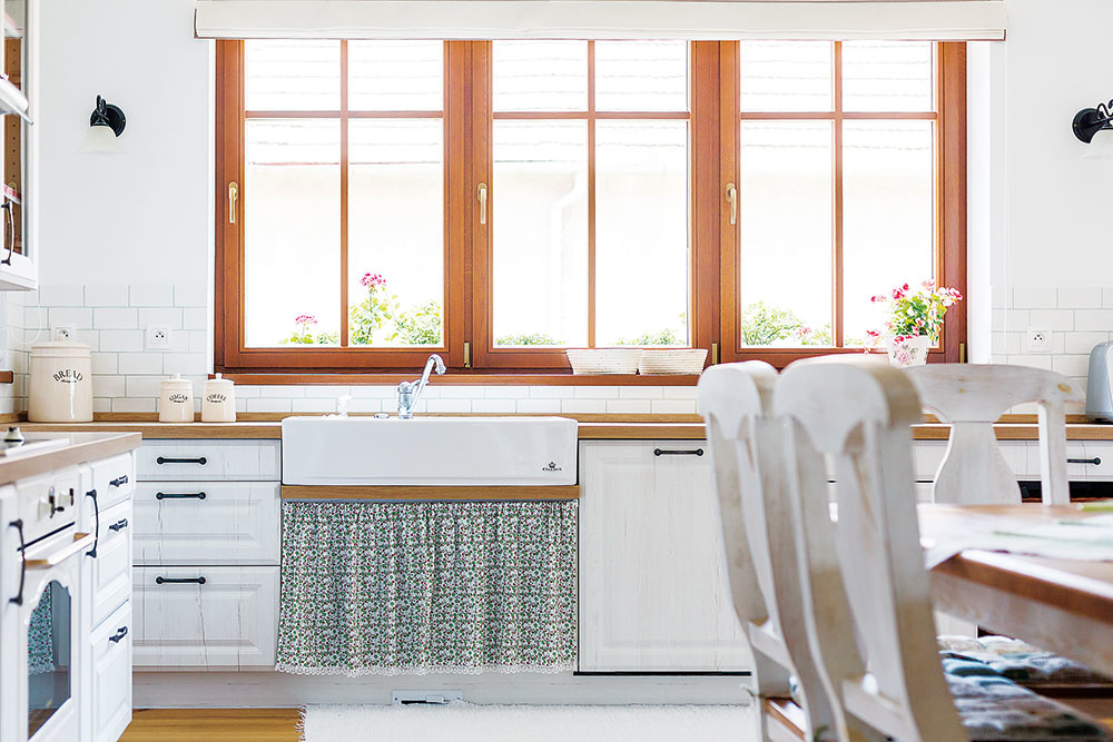 Drevené okno vhodné do nízkoenergetických stavieb, ktoré spĺňa požiadavku na nízku spotrebu energie amá dobré tepelnoizolačné vlastnosti – to je Mirador Profil 783 a 923. Jeho konštrukčná hrúbka umožňuje zasklenie izolačným trojsklom. www.mirador.eu