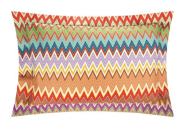dekoratívny vankúš Trevor od značky Missoni Home, bavlnený perkál, 75 × 50 cm, 205 €, www.amara.com