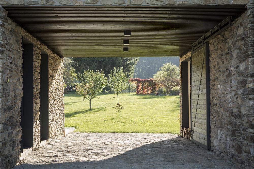 Dom na Vysočine: Do drsného kraja storočiami overené riešenie
