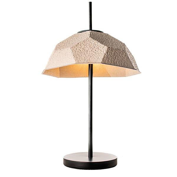 Mosen od značky Design Twist, kov, recyklovaný papier, výška 60 cm, priemer 37 cm, 97 €, www.bonami.sk