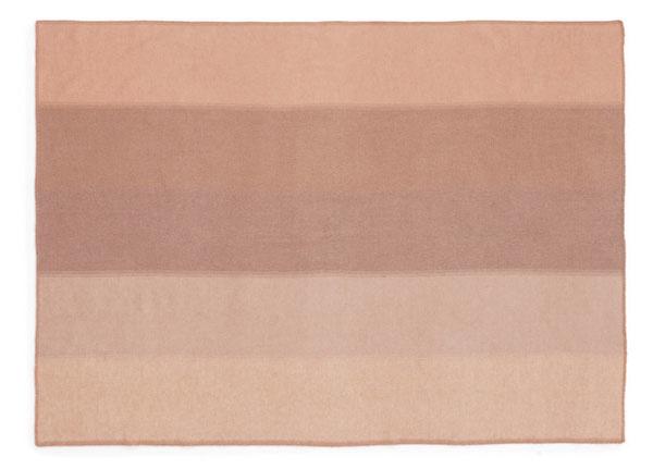 Deka Tint Throw od značky Normann Copenhagen, 100 % vlna, 130 × 180 cm, 100 €, www.designville.sk