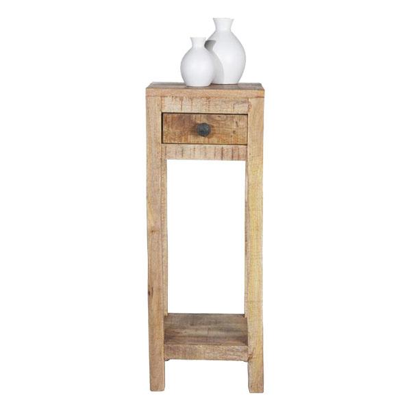 Stolík Industry od značky James Wood, mangové drevo,30 × 80 × 30 cm, 79,90 €, www.moebelix.sk