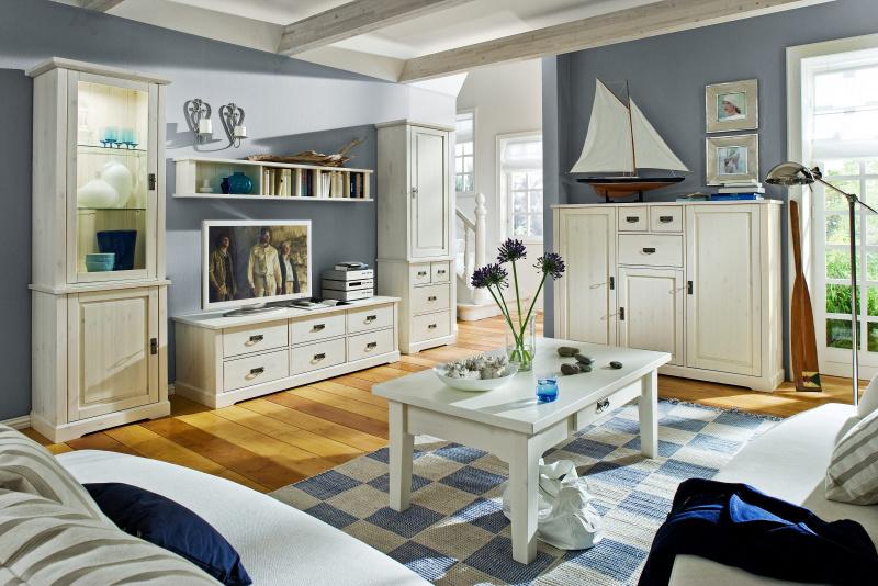 Obývačková zostava Country Inn od značky Jitona sa vyrába z dôkladne vyberaného masívneho dreva, na ktorom jemne presvitá prirodzená kresba. Dokáže zútulniť každý priestor.