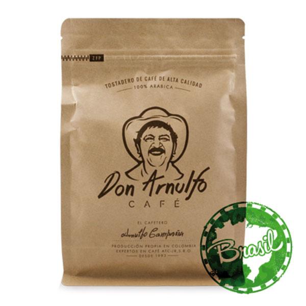 Káva Brazil Santos, krajina pôvodu Brazília, oriešky, horká čokoláda, plné telo a nízka acidita, 250 g, 6 €, www.dobrakava.eu