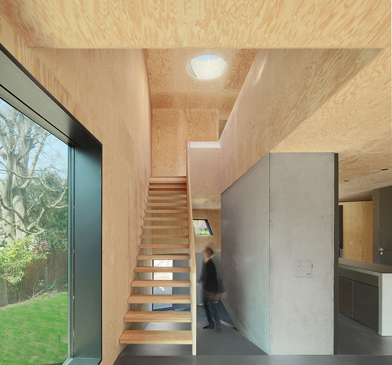 Švajčiarsky dom s ladnými krivkami