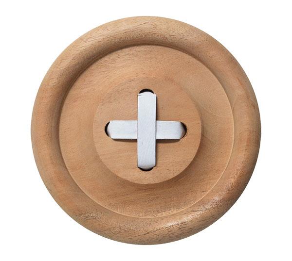Button od značky HK living, drevo, priemer 18 cm, aj biely a čierny, 24,16 €, www.nordicday.sk