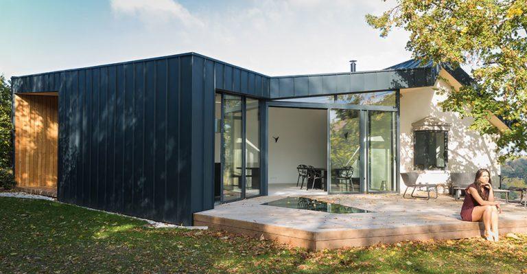 Keď z premeny malej obývačky nakoniec vzíde celková rekonštrukcia domu