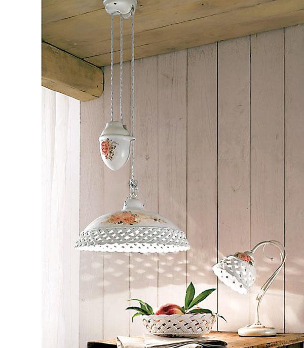 Keramické lampy a svietidlá vytvoria v domácnosti romantickú a príjemnú atmosféru. Jedinečné maľované svietidlá od značky Ferroluce, predáva www.vivrehome.sk.