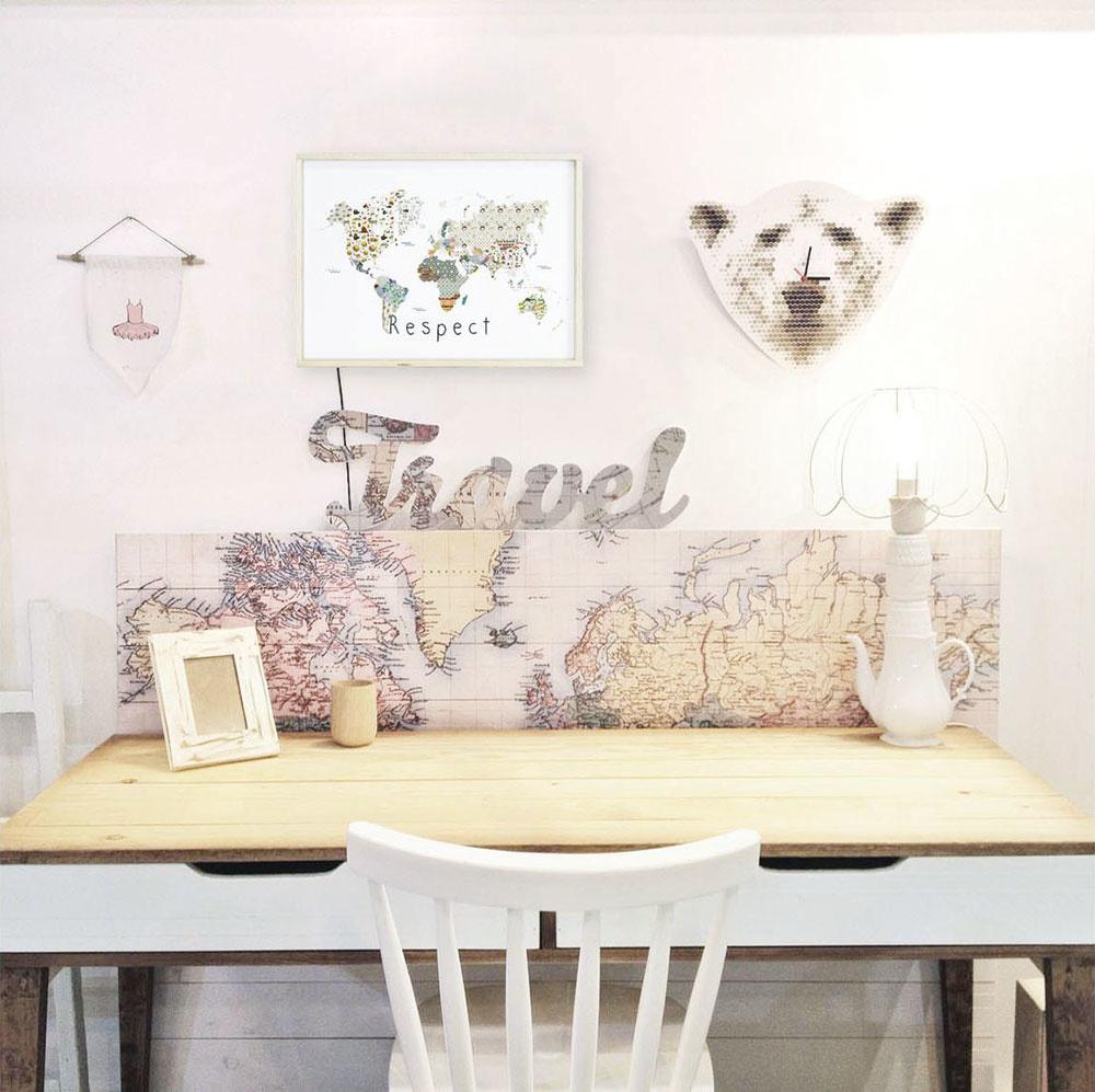 Aktuálnym trendom sú mapy v rôznych podobách, či už ako nálepky na stenu, nástenky, alebo dokonca ako svietiaci panel. Dekoráciu Respect za 65 € predáva WESTWING.