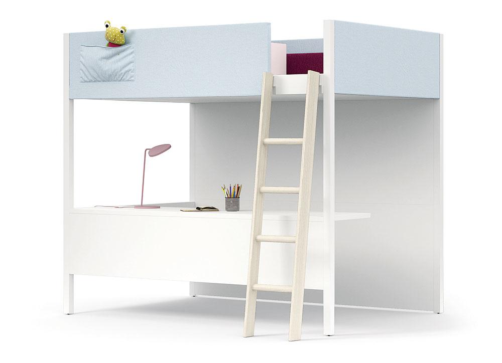 """Pracovňa pod posteľou. Obľúbený variant, ako využiť priestor pod posteľou umiestnenou """"na poschodí"""". Okrem pracovného kútika pod ňou môžete vytvoriť hraciu zónu, miesto na relax, divadielko či iné obľúbené aktivity. Posteľ zo série Nidi nájdete na www.space4kids.cz."""