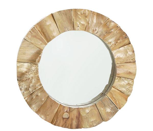 Zrkadlo znarezaného jedľového dreva, sklo, 47 × 47 cm, 59,99 €, www.zarahome.com/sk