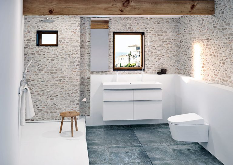 Aké materiály je najvhodnejšie použiť pri rekonštrukcii kúpeľne?