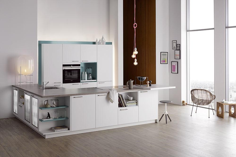 Luxusné kuchyne Barcelona od značky Bauformat vo vysokom bielom lesku.