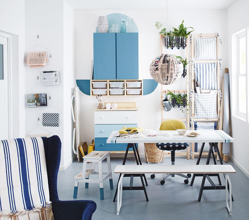 Pokiaľ sa bojíte toho, že v študentskej izbe nebudete vedieť farebne zladiť nábytok sfarbou stien, nezúfajte. VIKEA nájdete aj série výrobkov zdreva bez povrchovej úpravy, ktoré môžete ďalej moriť alebo farbiť. Spolu so svojím umelcomtak vytvoríte jedinečný kúsok, na ktorý budete obaja zaručene hrdí!