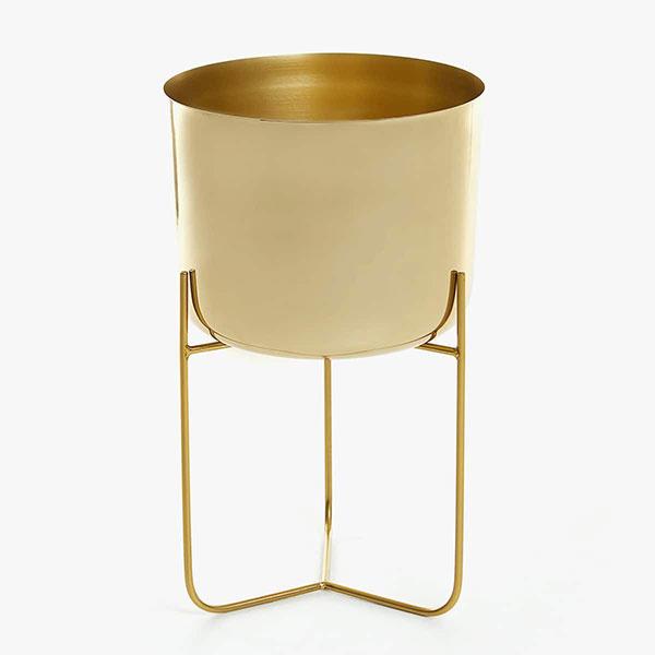 Zlatý železný stojan na rastliny, 69,99 €, Zara Home