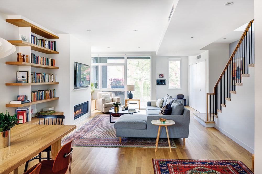 Brooklyn sa stáva čoraz obľúbenejšou obytnou štvrťou. Ponúka totiž za rovnakú cenu priestornejšie objekty na bývanie než Manhattan. Aj tento dom celkom isto patrí kpríkladom veľmi príjemného bývania na rozumnej ploche.