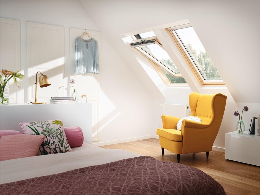 TROJSKLO v strešnom okne poteší každého, kto chce premeniť svoje podkrovie na zdravšie a komfortnejšie miesto plné denného svetla a čerstvého vzduchu. Kombinuje výborné tepelnoizolačné vlastnosti a priaznivú cenu. www.velux.sk