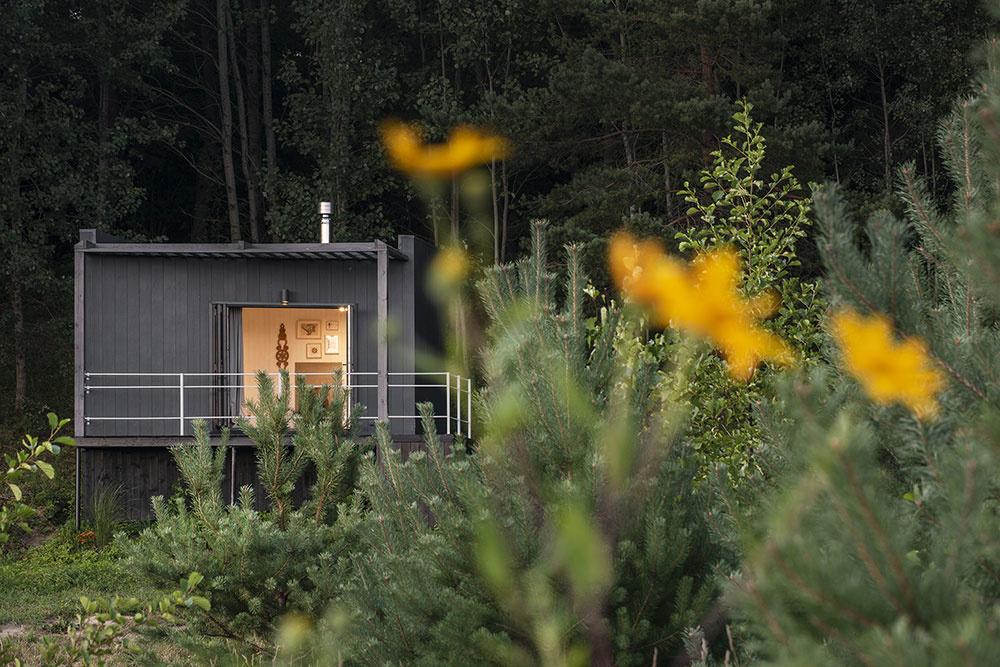 Chatka postavená za tri dni poskytuje všetko potrebné vrátane dokonalého pokoja