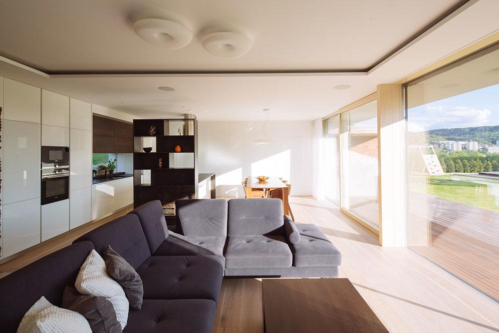 Jednoduchý jednopodlažný dom s príjemným výhľadom do údolia
