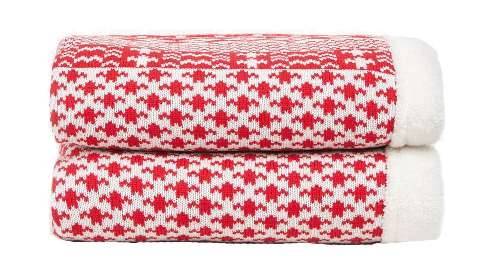 Zateplená deka s vianočným motívom, 130 × 170 cm, 69,99 €, www.zarahome.com/sk