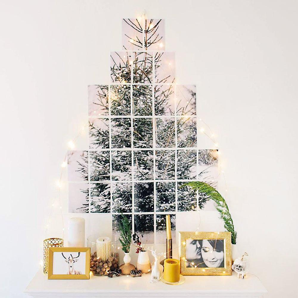 Fotografie  Stromček vyskladaný zmalých kúskov fotografií bude vyzerať nevšedne azároveň elegantne. Ak máte doma fotografa, doprajte mu sebarealizáciu. Fotky poskladajte do tvaru stromčeka, pridajte jemnú svetelnú reťaz, ktomu zopár osobných aj vianočných dekorácií. Ideálne zimné zátišie pre minimalistov.