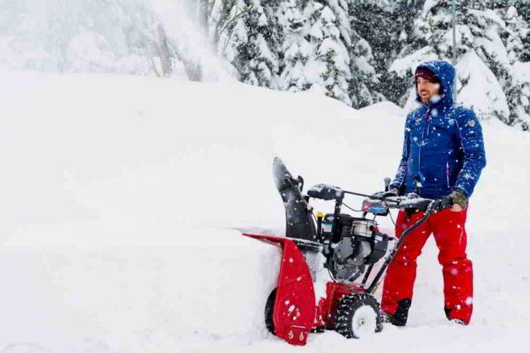 Snehové frézy – ideálni pomocníci pri odpratávaní snehu