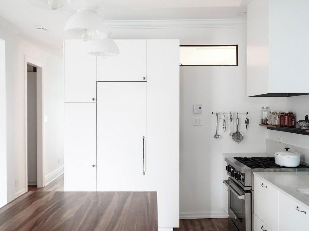 Obdivuhodná premena tmavého a nepraktického bytu: Moderný dizajn s viktoriánskymi prvkami