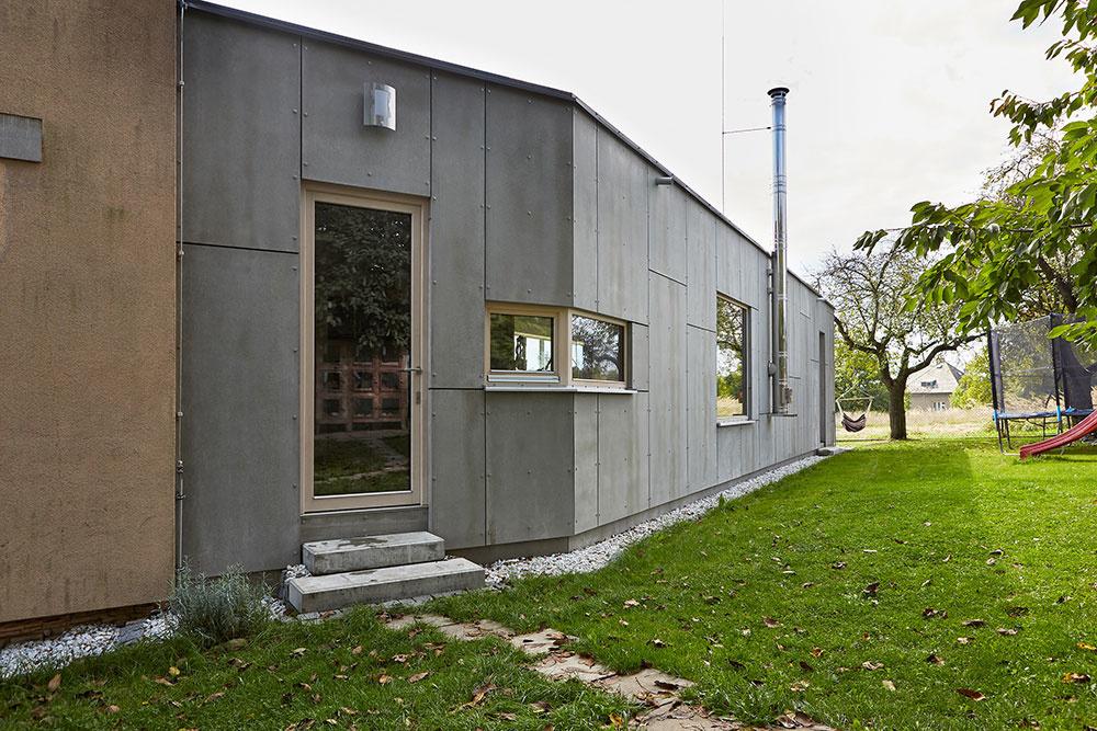 Moderná prístavba pre mladý pár: Dostatok priestoru pre rodičov, deti aj vnučky