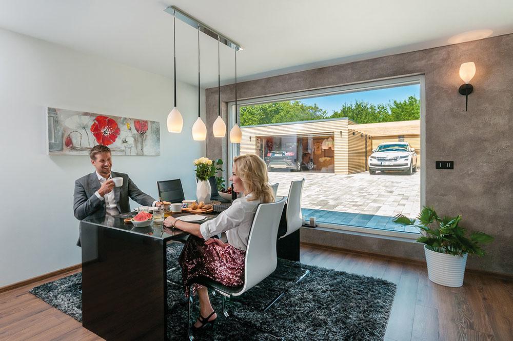 Vkaždej miestnosti domu nájdeme veľkoformátové okná alebo zdvižno-posuvné dvere sPVC profilmi Inoutic Eforte.